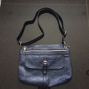 NWOT Relic Navy Purse